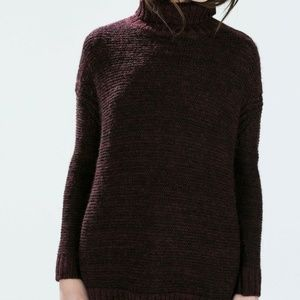 ZARA KNIT Black/Maroon Oversized Turtleneck Size M